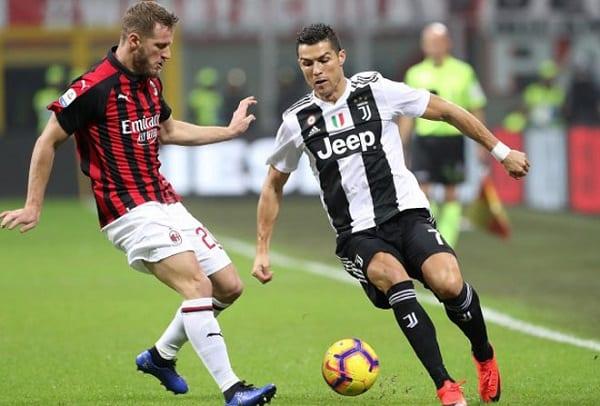 AC Milan đang chật vật tìm kiếm chiến thắng