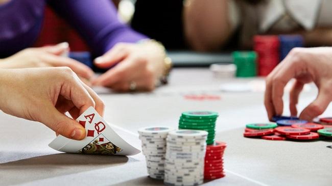 danh-bai-poker